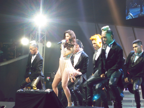 Here we go! Annebisyosa No other Concert! @annecurtissmith!