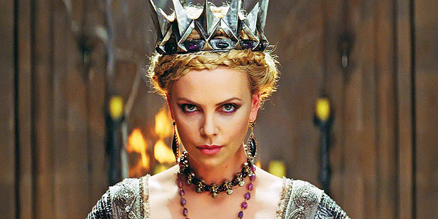 Check her style: EVIL QUEEN aka Charlize Theron!