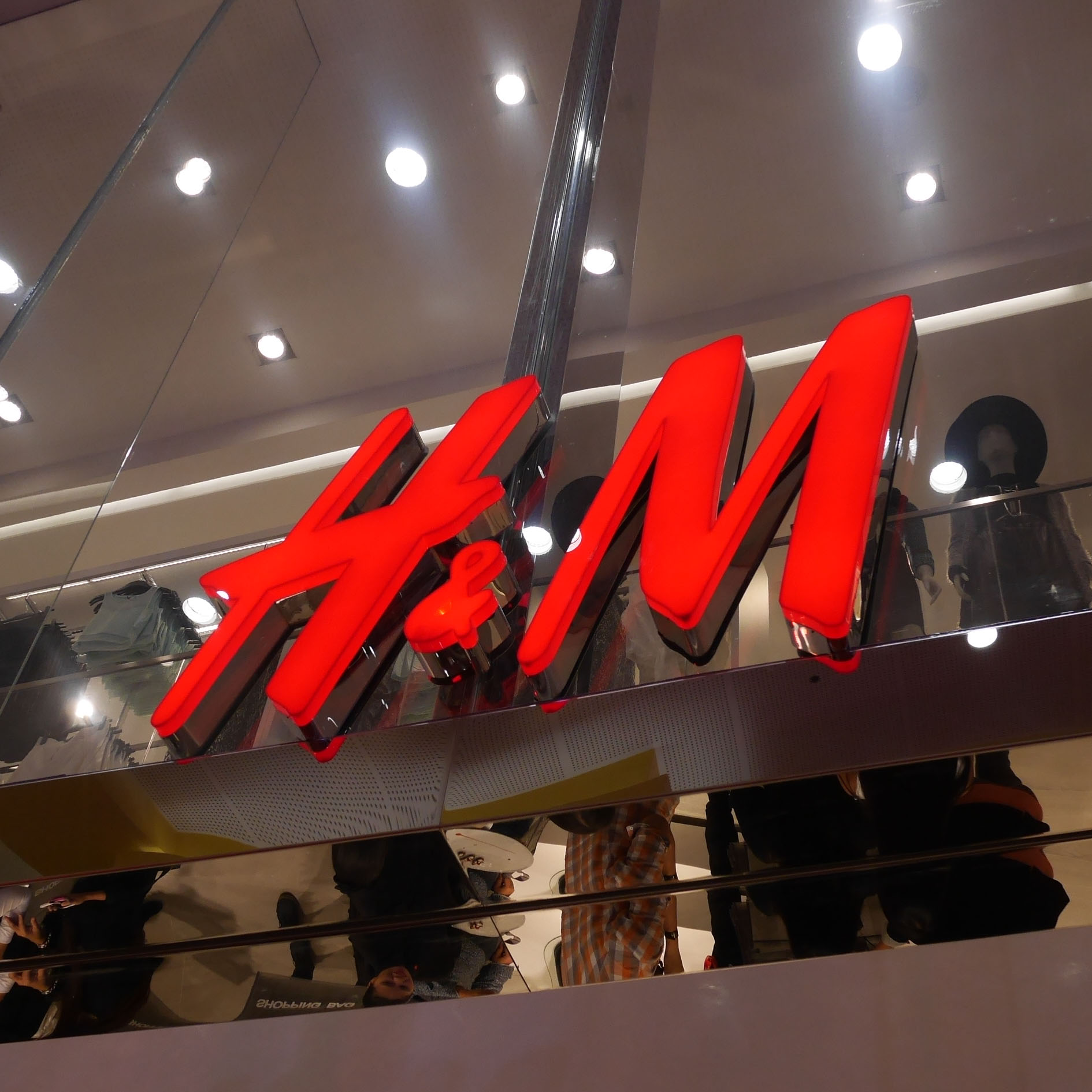 H&M VIP PARTY!